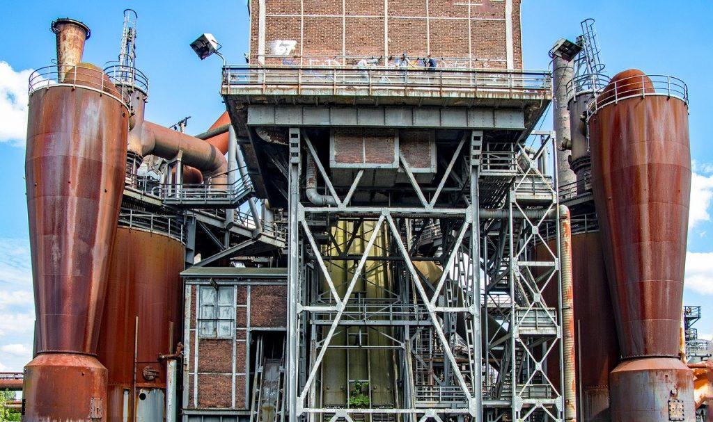 Stahlwerk in Duisburg, Nordrhein-Westfalen, Deutschland (Quelle: Herbert Aust, Pixabay)